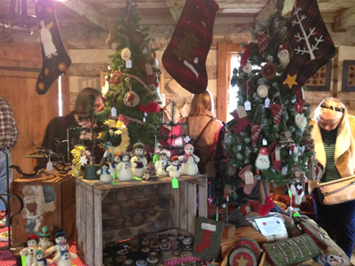Christmas Crafts To Sell At Craft Fairs.East Berlin Log House Craft Show